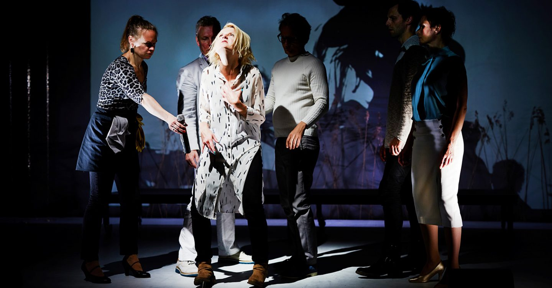 Teatteri Avoimet Ovet: Anna-Liisa
